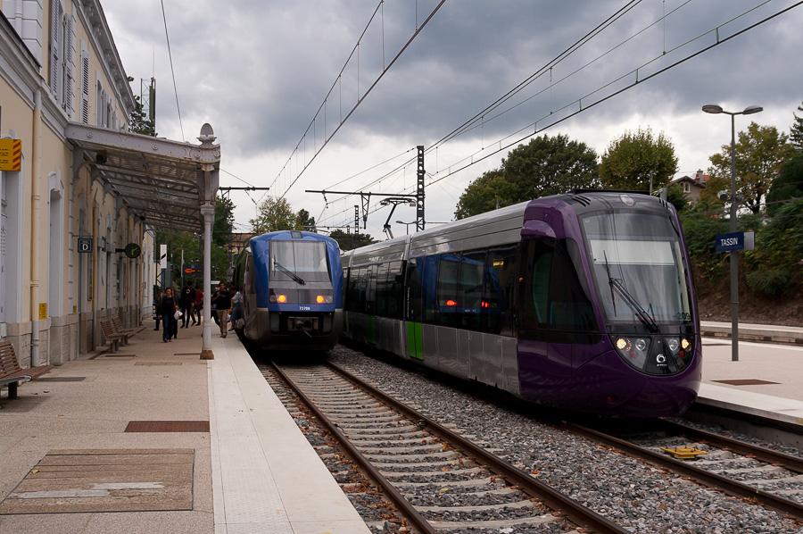 Ouest Lyonnais : le tram-train à l'arrêt