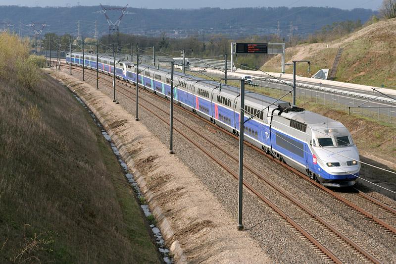Un TGV low cost Paris-Lyon dès 2013 ?